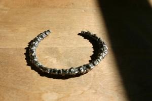 gegossene Armspange mit Silber-Kupferlegierung