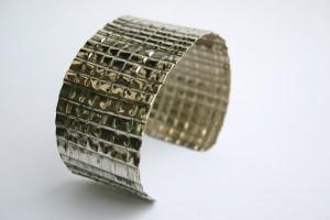 Aus Neusilber gefertigt