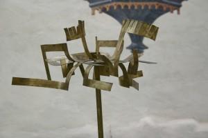 aus Messingblech geschnitten, auf Stahlstab montiert Höhe ca  160 cm