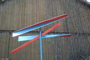 aus lackiertem Alublech, drehbar gelagert, mit Stahlstange, Höhe ca. 3,50 m