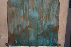 aus Kupfer und Messing gefertigt, grün patiniert, Breite cq 50 cm