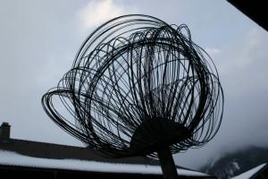 aus Stahldraht geschweißt, Höhe mit Ständer ca 200 cm